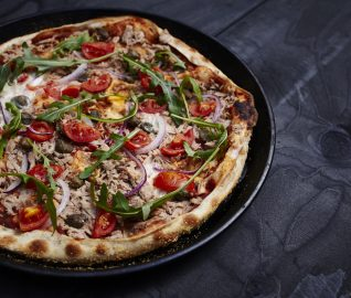 Thin crust pizza - Italian Leggera with tuna fish, tomatoes and onion