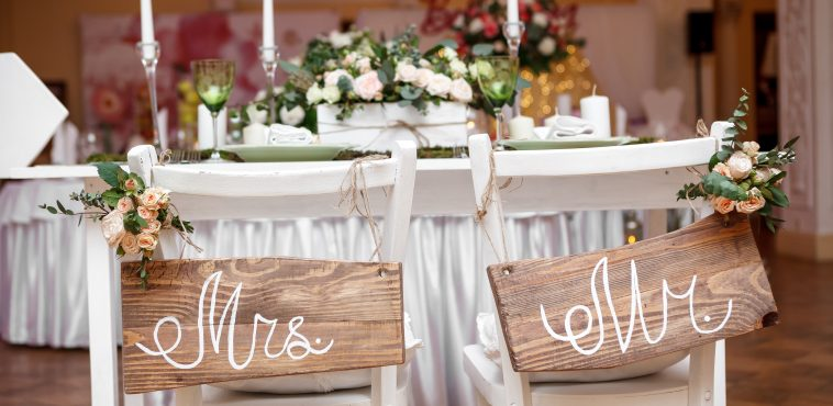 Mr. & Mrs. Sign on the chair